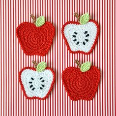 Ideas For Crochet Coasters Apple Crochet Apple, Crochet Fruit, Crochet Food, Love Crochet, Crochet Crafts, Crochet Flowers, Diy Crochet, Crochet Motifs, Crochet Patterns