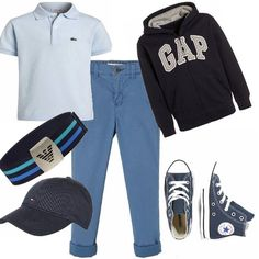 Un look grintoso sportivo ma elegante al tempo stesso. Pantalone lungo, maglietta polo, felpa con cerniera, cintura, cappellino e per finire, sneakers alta, come quelle di papà!