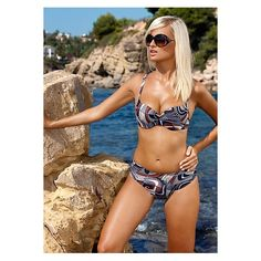 Gomera is a 2 piece bikini for the fuller figure. It comes in a variety of sizes from 12-18 and up to E cup underwired top.