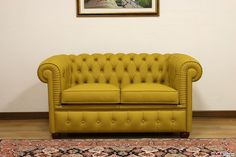 Divano Chesterfield piccolo Chesterino - VAMA Divani Yellow Sofa, Chesterfield Chair, Accent Chairs, Furniture, Home Decor, Outdoor, Collection, Lounge Chairs, Yellow Couch