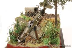 Crashed Army Base, Focke Wulf, City Model, Model Hobbies, Model Tanks, Military Diorama, Miniature, Model Airplanes, Model Ships