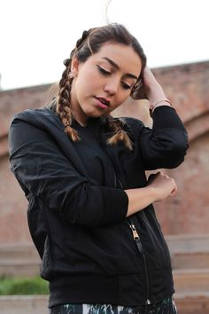 Black bomber jacket - spring trend 2016 - by www.MARINASAYS.com in collaboration with NEWCHIC.com