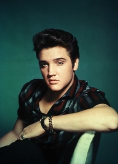 Elvis Presley... The King of Rock 'n' Roll, a real EYE CANDY.
