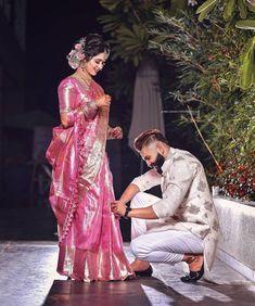 Bridal Sarees South Indian, Indian Wedding Gowns, Indian Bridal Outfits, Indian Bridal Fashion, Indian Bridal Wear, Wedding Mandap, Saree Wedding, Couple Wedding Dress, Indian Wedding Couple Photography
