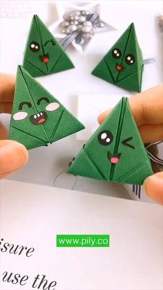 Cool Paper Crafts, Paper Crafts Origami, Diy Paper, Origami Gifts, Diy Crafts Hacks, Diy Crafts For Gifts, Xmas Crafts, Instruções Origami, Origami Videos
