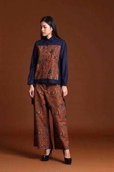 Ideas fashion design dress style haute couture for 2019 Batik Fashion, Ethnic Fashion, Hijab Fashion, Diy Fashion, African Fashion, Trendy Fashion, Fashion Outfits, Fashion Design, Fashion Trends