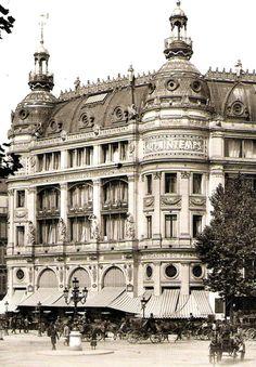 Au Printemps Old Pictures, Old Photos, Vintage Photos, Old Paris, Vintage Paris, Paris 1900, Paris Architecture, Amazing Architecture, Architecture Details