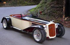 """1926 Packard ~ Miks' Pics """"Era Automobiles l"""" board @ http://www.pinterest.com/msmgish/era-automobiles-l/"""