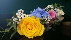 Boutonnières colorées pour un mariage d'été. Par Déco Ré Majeur - Lyon