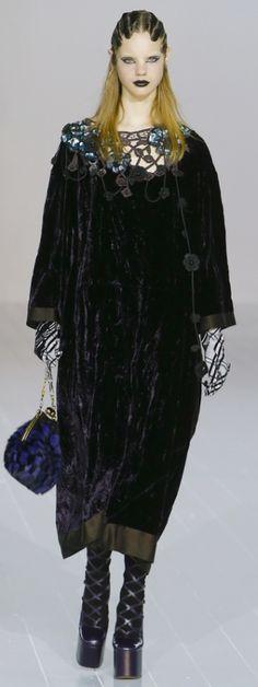 модное бархатное платье для пожилых и полных женщин