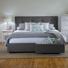 Georgia King Bed Frame with Storage Drawers Products 1825 interiors Room decor in 2019 Hello! Here we have nice wallpaper about king bed . Bed Frame With Storage, Bed Storage, Storage Drawers, Bedroom Sets, Home Decor Bedroom, Bedroom Furniture, Furniture Nyc, Cheap Furniture, Furniture Ideas