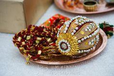 Indian Wedding Gifts, Desi Wedding Decor, Home Wedding Decorations, Marriage Decoration, Engagement Decorations, Wedding Crafts, Floral Wedding, Wedding Gift Wrapping, Wedding Gift Boxes