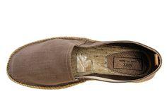 Catálogo NIUX 2013 Alpargatas de lino, sobre una suela de yute natural hecha de manera artesanal y totalmente cosida a mano