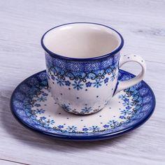 SET TAZA CITY MOKA CON PLATO GRACE Handmade with love. Este producto ha sido elaborado y pintado a mano por expertas artesanas. Doble cocción a 1300ºC única en el mundo, brillo y dureza extraordinarios en el uso diario. #taza #handmade #deco #hogar#cocina #tazas #café #coffee #pottery #artesanal #ceramica