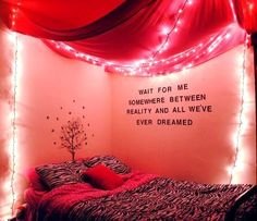 Bedroom decorating by Kayleigh Kuhlman.   http://www.flickr.com/photos/kayleighftw/5374442911/ this is so pretty