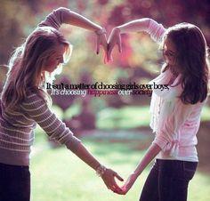 L'homosexualité n'est pas le fait de choisir une fille plutôt qu'un garçon mais c'est le fait de choisir le bonheur.