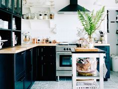 Your Must-Have Kitchen Registry Checklist | TheKnot.com