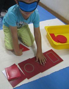 Ateliers vie sensorielle Montessori Activities, Math Classroom, Fun Math, Preschool Activities, Cognitive Activities, Motor Skills Activities, Shapes For Kids, School Readiness, Childhood Education