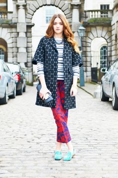 Awesome #printmixing ! I think this girl is a definite #mixmaster ! :)  #lfw #streetstyle