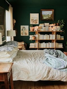 Double room: 102 ideas and projects to decorate your environment - Home Fashion Trend Peaceful Bedroom, Deco Boheme, Double Room, Room Themes, Home Decor Inspiration, Home Projects, Modern Farmhouse, Diy Home Decor, Master Bedroom
