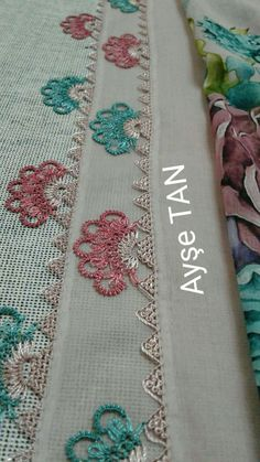 This Pin was discovered by İfa Yarn Crafts, Diy And Crafts, Lesage, Crochet Borders, Tatting Patterns, Needle Lace, Thread Work, Lace Making, Beautiful Crochet