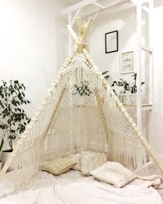 Designs Made From Macrame Thread Macrame Design, Macrame Art, Macrame Projects, Etsy Macrame, Macrame Thread, Macrame Chairs, Macrame Patterns, Room Decor Bedroom, Bedroom Ideas