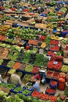 Souk...quelque part au Maroc