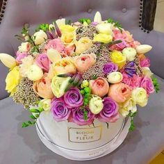 Birthday flowers bouquet beautiful roses gift centerpieces The Effective Pictures We Offer Yo Beautiful Flower Arrangements, Pretty Flowers, Floral Arrangements, Birthday Wishes Flowers, Happy Birthday Flower, Flowers Birthday Bouquet, Birthday Flowers For Her, Flower Bouquets, Rosen Box