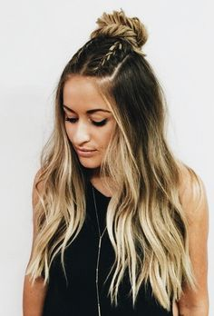 13 Of The Featured Half Up Long Hairstyles 2019 To Blow People's Minds, Frisuren,, 13 Of The Featured Half Up Long Hairstyles 2019 To Blow People's Minds Source by hairfinity. Two Braid Hairstyles, Easy Hairstyles For School, Trendy Hairstyles, Simple Hairstyles With Curls, Hairstyles For Going Out, Festival Hairstyles, Wedding Hairstyles, Bridesmaid Hairstyles, Medium Hairstyles