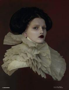 elizabethan moderne ... would make a cool Halloween costume.