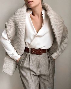 Discover recipes, home ideas, style inspiration and other ideas to try. Mode Outfits, Office Outfits, Fashion Outfits, Office Fashion, Work Fashion, 80s Fashion, Womens Fashion, Classy Outfits, Casual Outfits