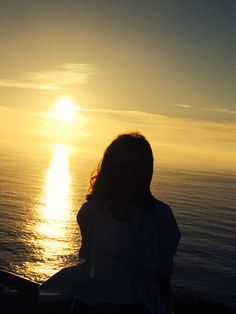 6 Best Hip Exercises for Women Health : Sport for Women in 2020 - Frau Tumblr Photography, Sunset Photography, Girl Photography Poses, Sunset Photos, Beach Photos, Sunset Girl, Shadow Pictures, Girly Pictures, Foto Pose