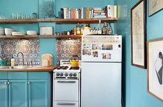 15 cocinas azules que te harán soñar. Prometido. · 15 kitchens with blue cabinets that will make you swoon
