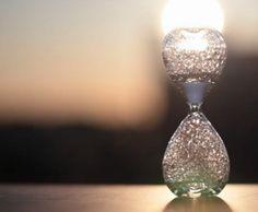 Ame Design - amenidades do Design . blog: Uma poética ampulheta com bolhas