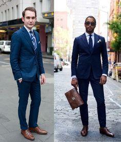Azul y zapato marrón