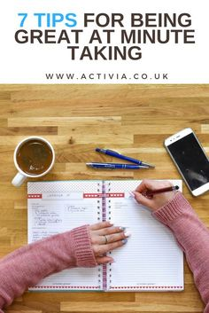 Taking minutes professionally at a meeting is not as easy as many people think, and underestimate the task. This article looks at 7 specific tips on how to take good minutes at a meeting. Note Taking Strategies, Note Taking Tips, Taking Notes, Pta Meeting, Work Meeting, Business Notes, Business Planner, Business Coaching, Business Tips