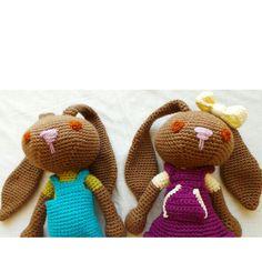 Conejos a crochet. Medimos 40 cm... sin contar las orejas! Somos resistentes, blanditos y lavables. $15.000