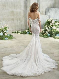 Eve Front Wedding Dress Shopping, Dream Wedding Dresses, Designer Wedding Dresses, Bridal Dresses, Wedding Gowns, Girls Dresses, Wedding Attire, Lace Wedding, Badgley Mischka Bridal