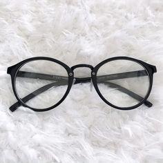 Trending Glasses Frames, Glasses Frames Trendy, Fake Glasses, Girls With Glasses, Glasses Trends, Accesorios Casual, Womens Glasses, Eyeglasses, Eyewear