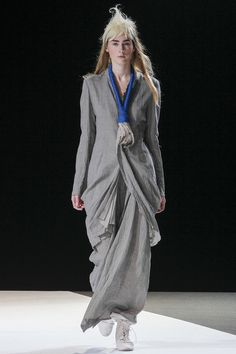 Yohji Yamamoto Spring 2013 Ready-to-Wear Collection Slideshow on Style.com