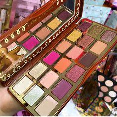 Too Faced Gingerbread Spice eyeshadow palette Glam Makeup, Pretty Makeup, Makeup Geek, Love Makeup, Makeup Addict, Makeup Eyeshadow, Makeup Cosmetics, Eyeshadow Palette, Beauty Makeup