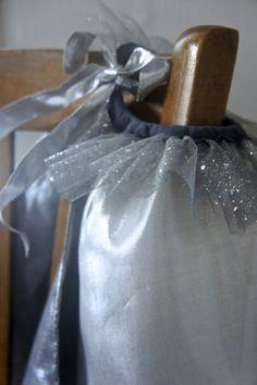 Petits Louve - Costumes et déguisements pour enfants façonnés dans de merveilleux tissus...
