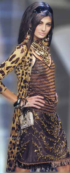 Boho Chic at it's finest :) Dolce&Gabbana Leopard Fashion, Animal Print Fashion, Fashion Prints, Fashion Design, Animal Prints, Fashion Patterns, Fashion Details, Glamour Fashion, High Fashion