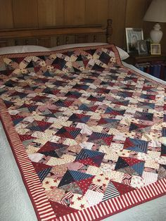Have a look at this remarkable photo - what a clever design and development Flag Quilt, Bird Quilt, Patriotic Quilts, Dog Quilts, Star Quilts, Scrappy Quilts, Modern Quilt Patterns, Quilt Block Patterns, Homemade Quilts