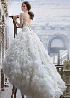 35dac6ec6c9 Bridal ball gown with sweetheart neckline
