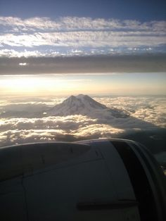 Mt.Ranier, looks beautiful on the plane!
