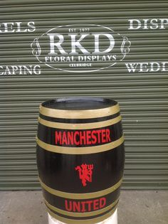 Manchester United Barrel Made By RKD Floral Displays Wine Barrels, Wine Racks, Guinness, Manchester United, Coffee Cans, Whisky, Man Cave, Beer, The Unit