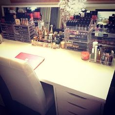I could never keep my makeup that organized