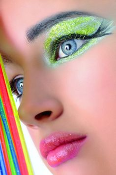 Bright Glitter Makeup #makeups, #glitters, #fashion, #beauty, https://apps.facebook.com/yangutu/