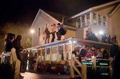 Party hard! Nos vamos de parranda con estos 5 videoclips que transcurren en fiestas